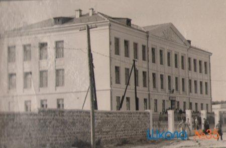 История школы в картинках
