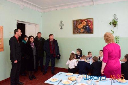 Сегодня Игорь Лукашев посетил школу.